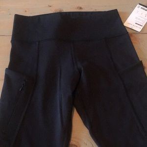 """New athlete """"all in 7/8 tights"""". Side pockets!"""
